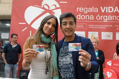 India Martínez y Juan Valderrama tras recibir el carné