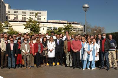 Foto de familia del primer aniversario del 'Jardín de los trasplantes