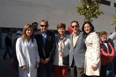 La delegada del Gobierno, la gerente del hospital y responsables de las asociaciones de trasplantados