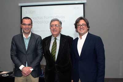 Luis de la Cruz, secretario de SAOM; José Andrés Moreno, tesorero de SAOM y Juan de la Haba, presidente de SAOM