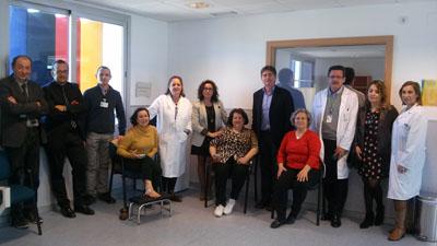 Responsables sanitarios y pacientes en la nueva sala de rehabilitación del centro de salud Sector Sur
