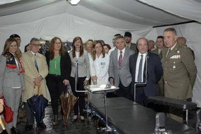 Autoridades visitan el PCLA instalado en el Hospital Reina Sofía