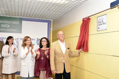 Inauguración de la placa que da nombre desde hoy al salón de actos del Hospital: Profesor Doctor Carlos Pera.