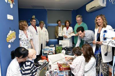 Juegaterapia dona 25 consolas, accesorios y juegos al hospital Reina Sofía para los niños ingresados