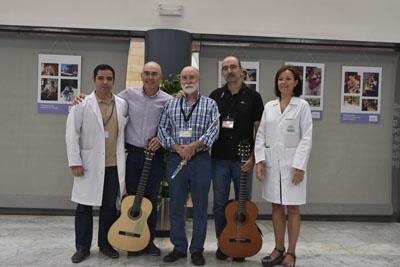 La Dirección del hospital recibe a los músicos