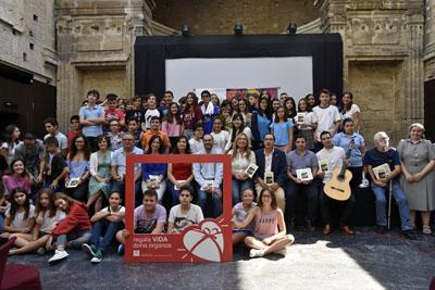 Participantes en el recital de poesía 'Tintas para la vida'