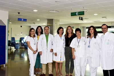 Profesionales del área de Urgencias, profesionales de Enfermería y la delegada en la sala de ESPERA URGENCIAS