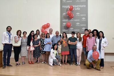 Familiares, niños trasplantados y profesionales