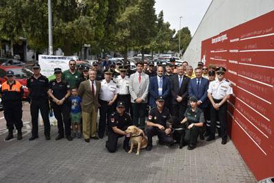 Autoridades y colectivos en Adif.