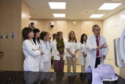 El doctor Miñano explica el funcionamiento del nuevo ALE