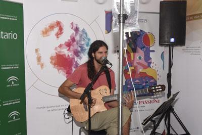 Antonio Machado, Cavafis o Pabo García Baena son algunos de los poetas que el cantautor ha escogido para musicalizar