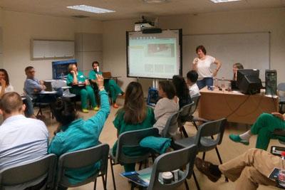 Profesionales del hospital participan en el curso