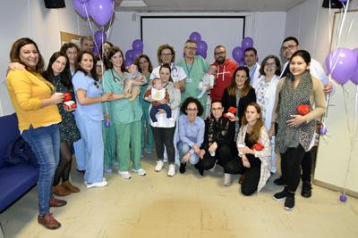 Profesionales de la Unidad de Neonatología organizan actividades para reducir el estrés de las familias