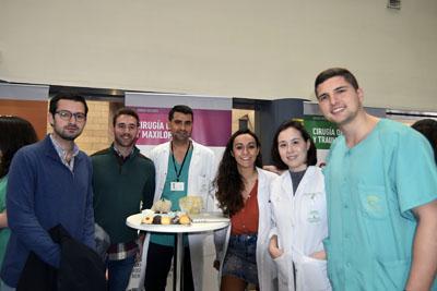 Residentes y tutores de Cirugía Oral y Maxilofacial con futuros residentes