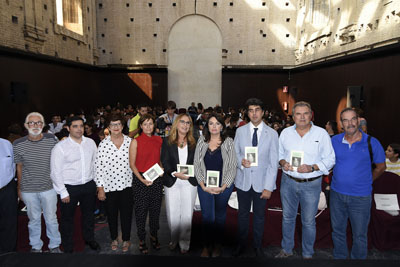 Más de 160 estudiantes participan en el recital en Cosmopoetica15
