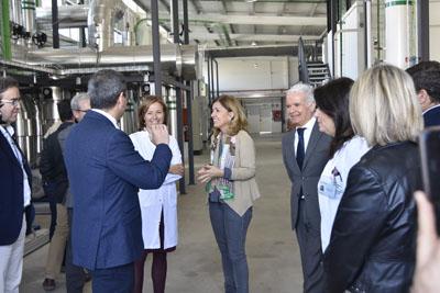 La delegada de Salud y Familias visita la nueva central térmica