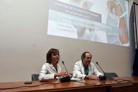 Valle García y Manuel Pan dan la bienvenida a los asistentes