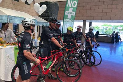 El equipo 'Kilómetros de vida' se suma a esta celebración