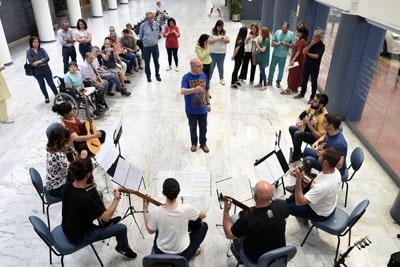 Ifamos Ensemble ha ofrecido un concierto en el vestíbulo del Hospital General