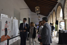 El Palacio de Viana acoge una exposición sobre cáncer de mama metastásico