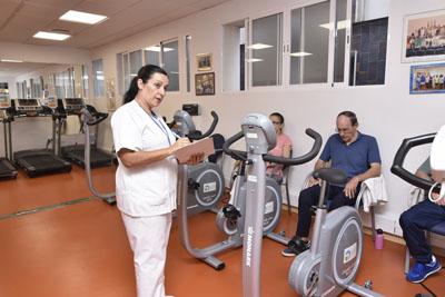 Los pacientes aprenden a practicar ejercício físico