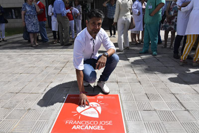 Arcángel inaugura el Paseo de la Donación