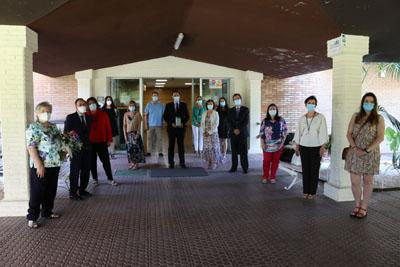 El rector recibe un reconocimiento por la colaboración de la UCO en la lucha frente a la pandemia