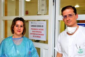 La atención a los pacientes en una unidad Covid se realiza en pareja