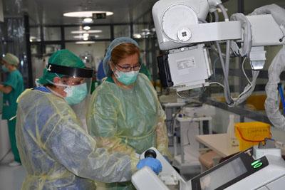 Equipo de Radiodiagnóstico portátil en UCI del Hospital Reina Sofía