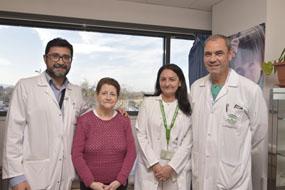 Cirujanos torácicos, paciente y enfermera