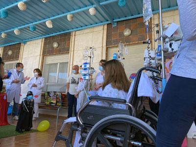 Celebración del Día de Niño Hospitalizado en la terraza del Materno Infantil