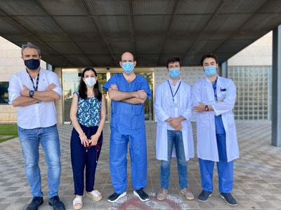 Cirujanos de trasplante hepático del Hospital Reina Sofía e investigadores de IMIBIC