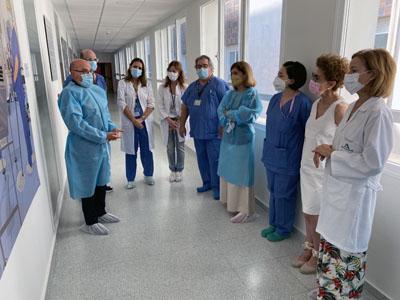 Las ilustraciones se ubican en el pasillo interior del bloque quirúrgico
