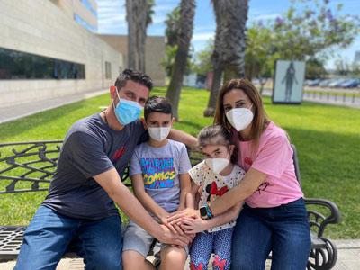 La familia de Sofía feliz tras el trasplante