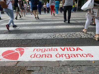 Paso de peatones comprometidos con la donación