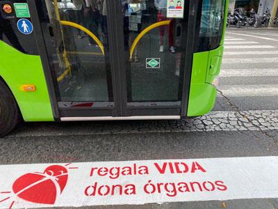 Paso de peatones solidarios con la donación de órganos
