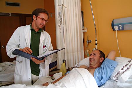 Consulta a paciente hospitalizado del Servicio de Cirugía Plástica