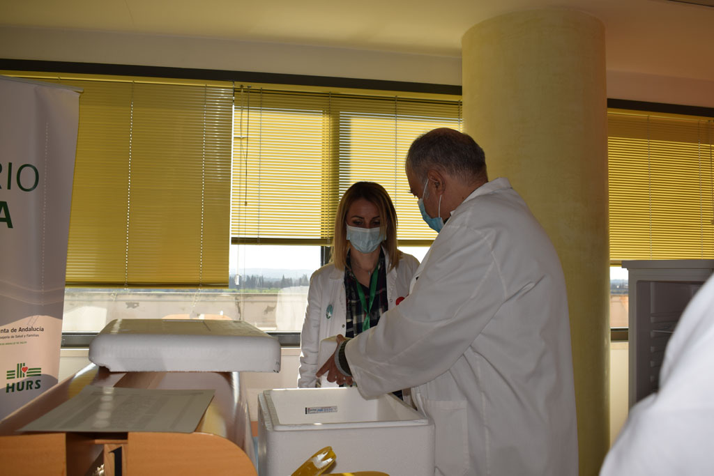 Recepción vacuna en punto de vacunación