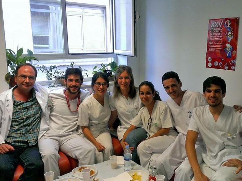 Alumnos de enfermería en su último dia de prácticas en diálisis. 2014