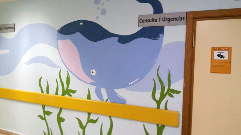 La ballena en el mar que decora las urgencias.