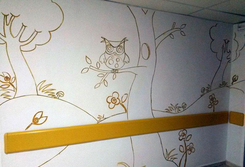Foto de uno de los murales del bosque