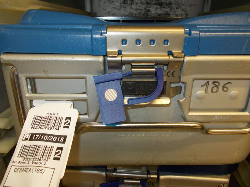 3º Contenedor esterilizado, precinto virado e identificado con etiqueta de trazabilidad