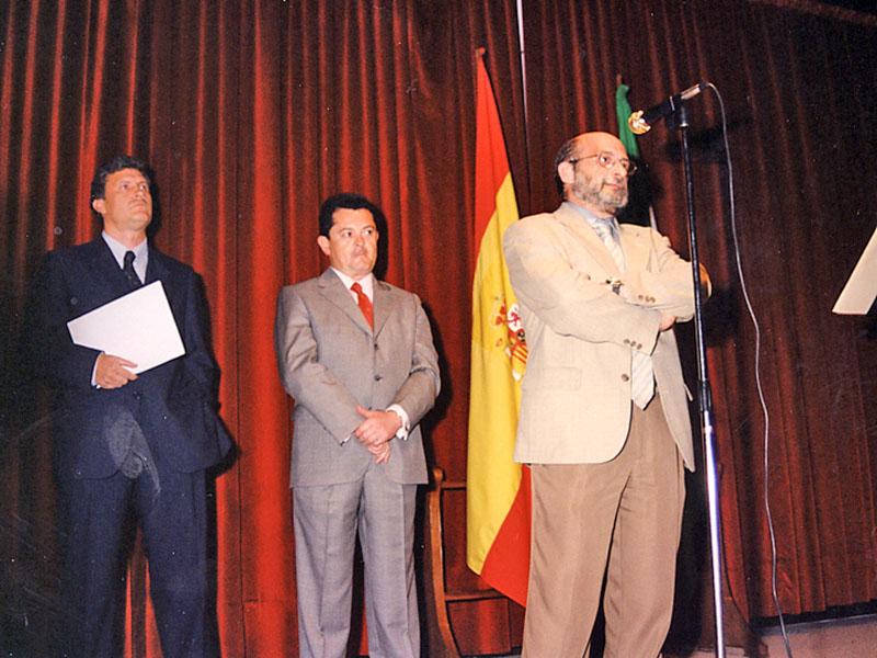 El doctor José Luis Díaz Fernández, director gerente del Reina Sofía, tomando posesión. 2000