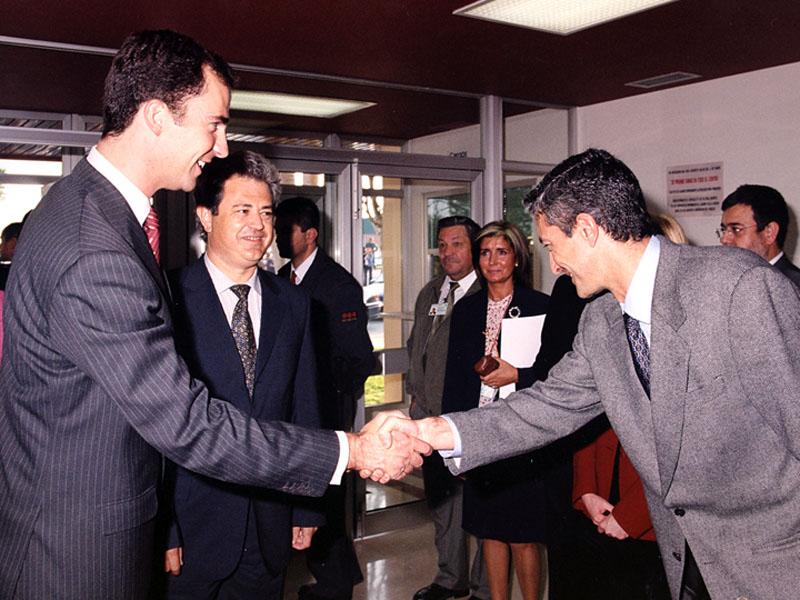 El Príncipe visita a los profesionales. 2002