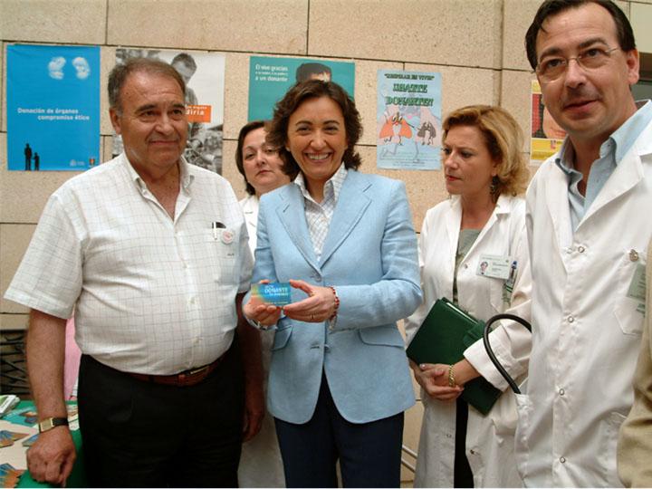 La alcaldesa, Rosa Aguilar, se suma al llamiento a favor de la donación. 2003