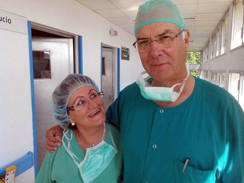La enfermera Juana Garcia y el anestesista Miguel Osuna. 2014