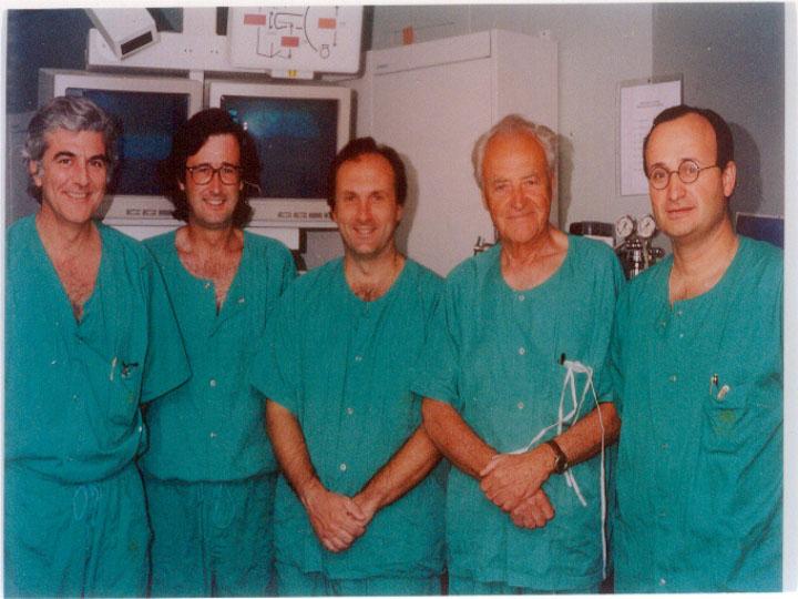 Los cardiólogos Suarez de Lezo, Romero, Pan y Segura en una visita del Doctor Amplatz. 1997