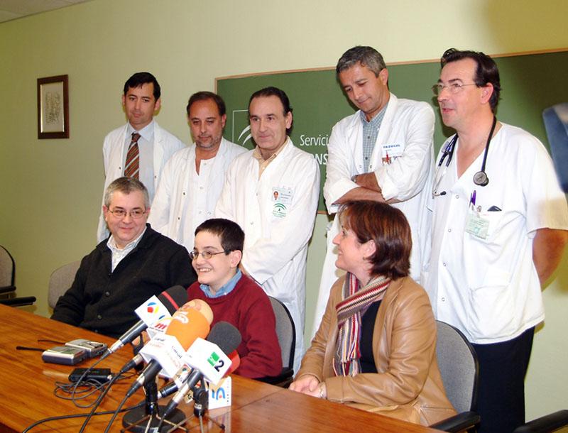 Rafael Cejudo, primer niño que recibió un doble trasplante bipulmonar y de hígado. 2005